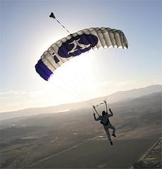 yahoo-parachute
